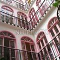 Apartamentyi Otel'-Hom u metro Pionerskaya